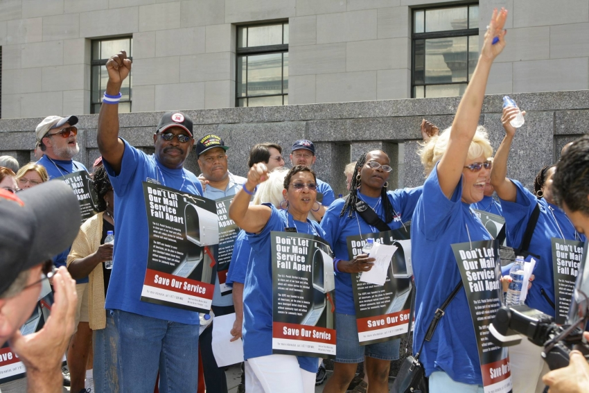 Postal Workers Fend Off Attacks In New Contract