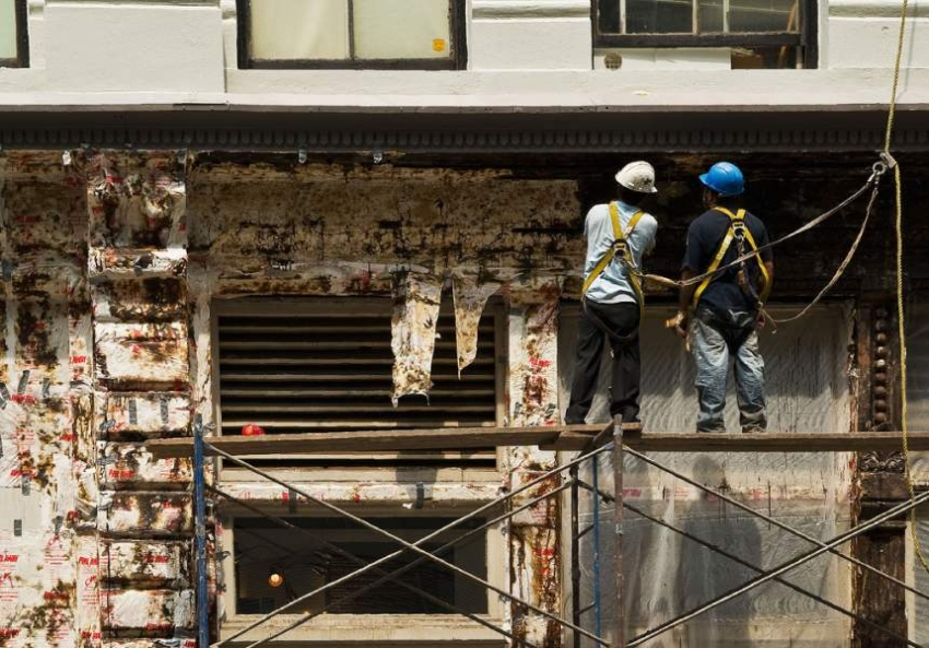 Industry Attacks On Scaffold Law Put Construction Workers
