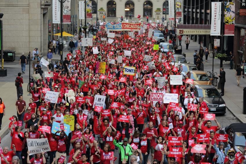 Chicago Teachers Are Threatening To Strike Against New Mayor Lori