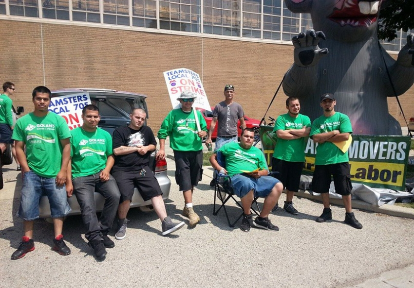 Employees Of Golan S Moving And Storage Who Are In Their Third Week Striking Pose With Scabby The Rat Picket Line Arise Chicago