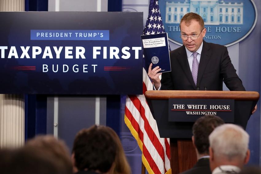 Trump asks Democrats to negotiate on infrastructure plan