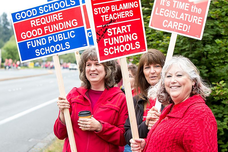 30 000 Teachers Walk Out In Protest Of Big Class Sizes In
